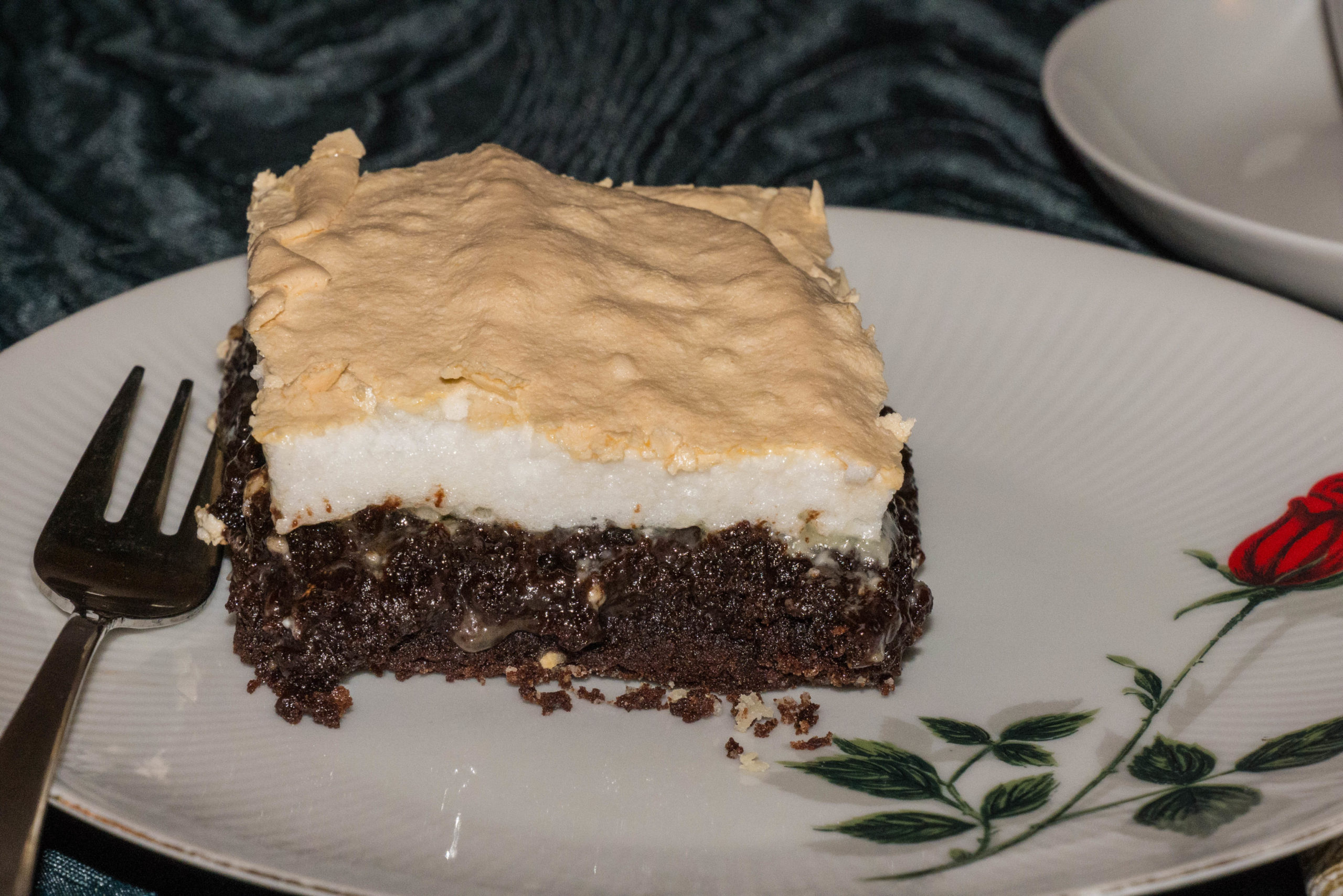 Triple Chocolate Brownie mit Baiser-Haube